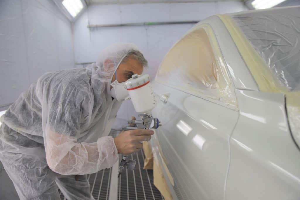 ביצוע פחחות מקצועית לרכב